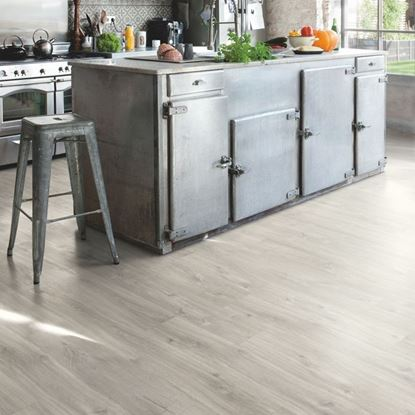 Picture of Livyn Balance Click Canyon oak grey with saw cuts BACL40030