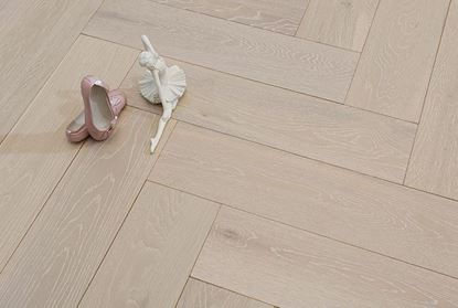 Picture of Hampstead Herringbone Click, 14/3x150x600mm, White Washed Brushed Matt Lacquered, DIY Box Pack size 1.8 Sqm